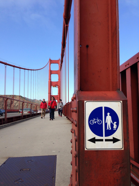 biking & wakling on the golden gate bridge